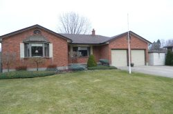 1 Locke Heights, Strathroy