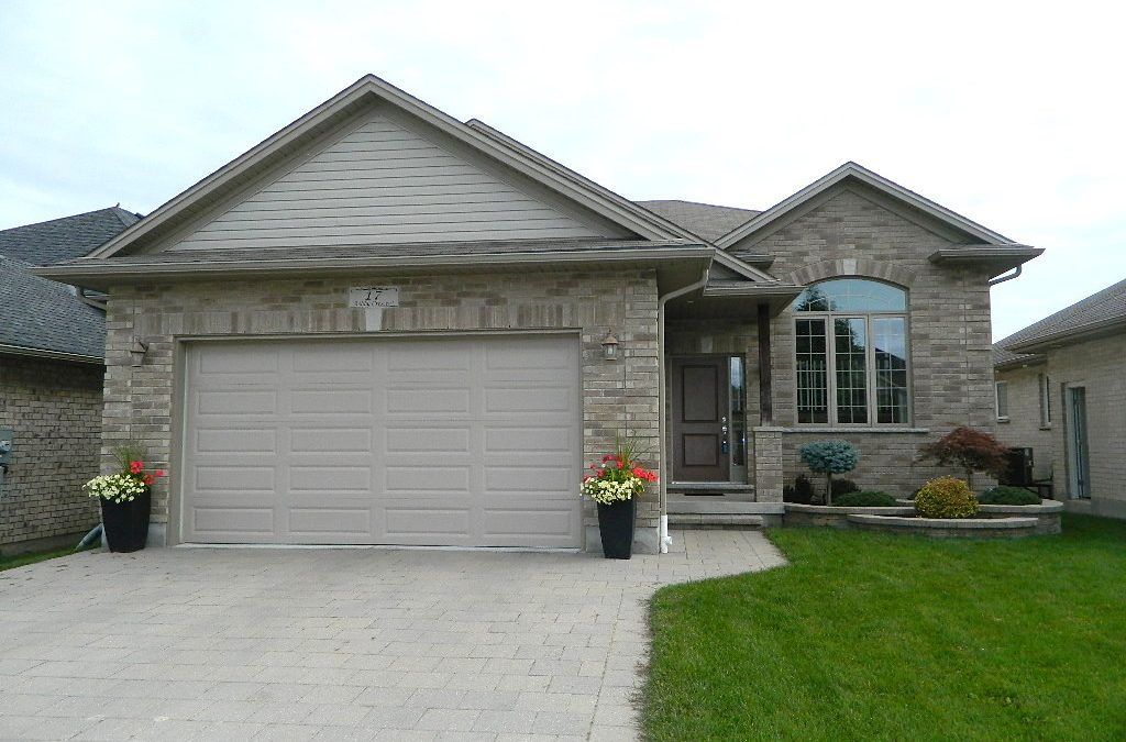 17 Ashby Cres, Strathroy