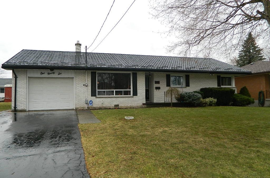 196 Centre St E, Strathroy